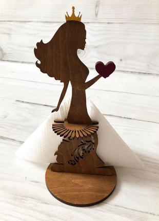 Салфетница красавица из дерева в пышном платье из салфеток 27х12 см