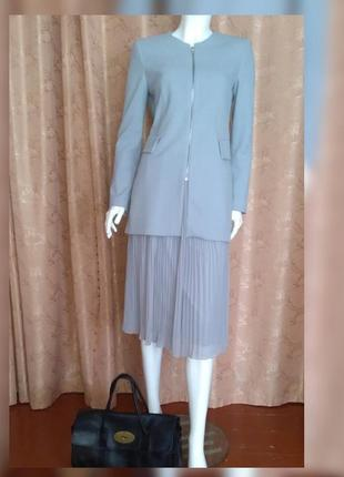 Zara шикарный костюм размер m , 28 ,юбка плиссе пиджак