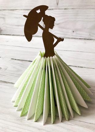 Салфетница анна на прогулке.красавица из дерева в пышном платье из салфеток