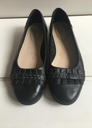 Кожаные туфли clarks р.39-40