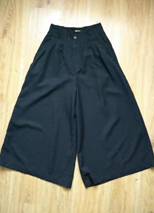 Стильные брюки кюлоты италия