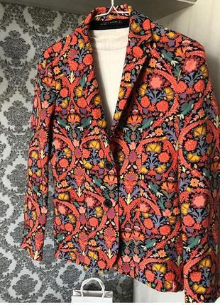 Стильный пиджак от zara