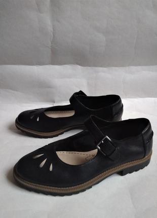 Clarks оригинальные кожаные туфли 38
