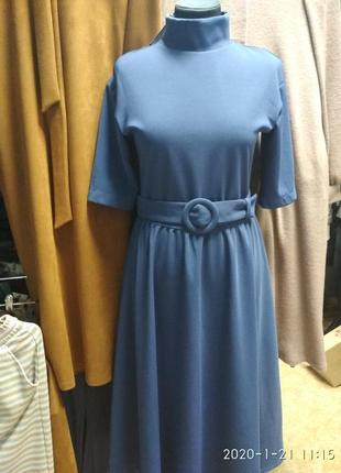 Шикарное платье с расклешенной юбкой