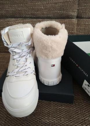 Очень красивые ботинки tommy hilfiger