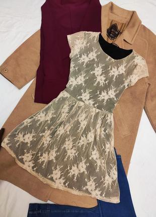 Платье чёрное бежевое гипюровое george