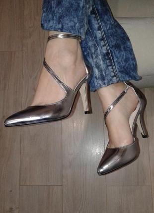 Туфли металлик , в профиле больше обуви