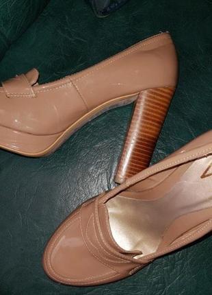 Туфли высокий устойчивый каблук