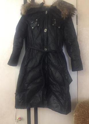 Тёплое зимнее пальто-пуховик с натуральным мехом