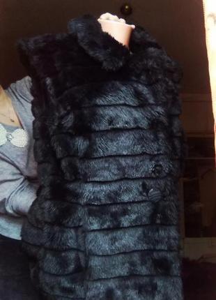 Шикарная меховая длинная фирменная жилетка candy couture