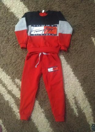 Спортивные костюм для мальчика 98р