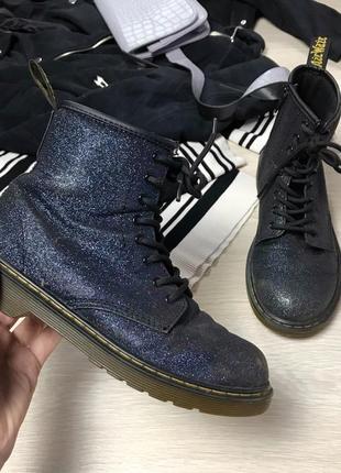Оригинальные ботинки мартинсы
