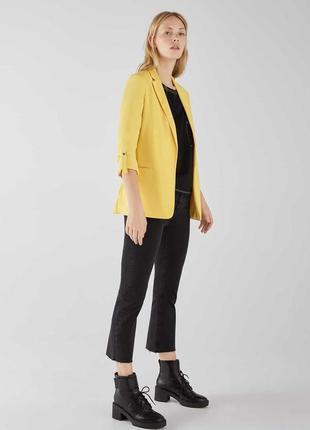 Актуальний лимонний піджак bershka подовжений з регульованим рукавом ❤