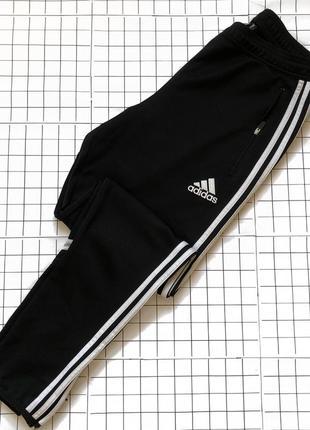 Спортивные штаны adidas p.m/l оригинал с лампасами