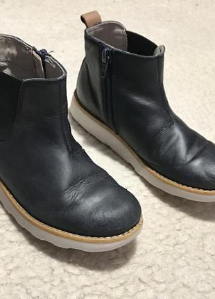 Кожаные демисезонные сапоги ботинки clarks