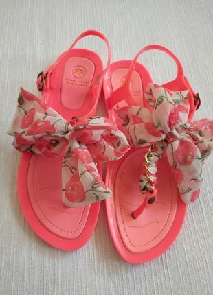 Ризинові пляжні сандалі, розмір 7