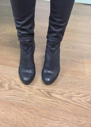Ботинки vic из натуральной кожи италия р. 39