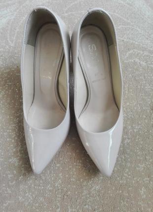 Итальянские пудровые туфли 36 размер