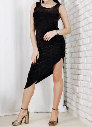 Платье черное с открытой спинкой с разрезом