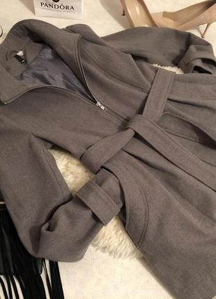 Мега крутое шерстяное пальто на замочек с поясом от h&m divided на р. м/л...👠❤️💋