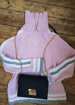 Вязаный свитер гольф с кольцом