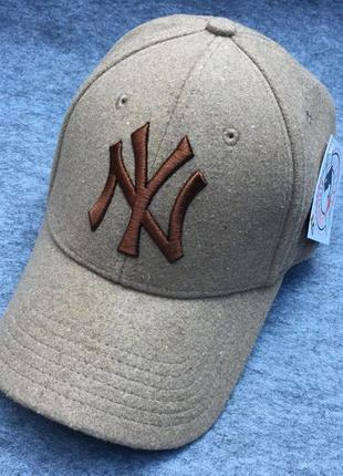 Зимняя теплая кепка бейсболка new york