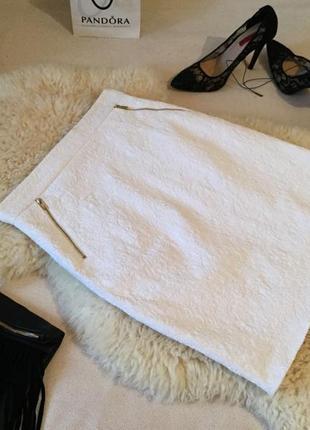 Сногсшибательная юбка с тиснением гипюра с золотыми змейками впереди и на попе...💋👠💄