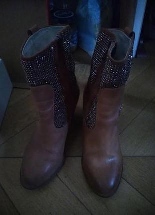 Ботинки кожаные миратон новые р. 36 казаки