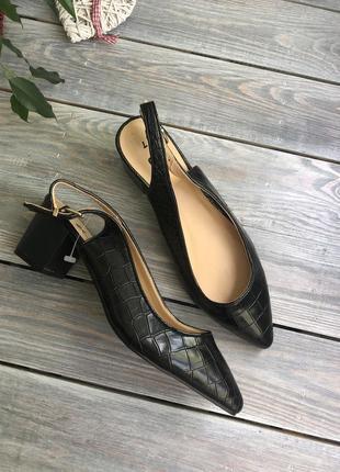 Tu кожаные туфли на широком каблуке босоножки с закрытым носочком
