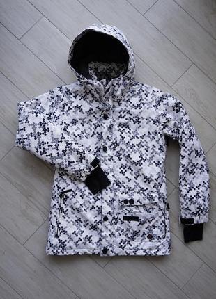 Сноуборд/ лыжная куртка burton