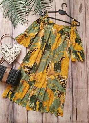 Крутое тропическое платье свободного кроя с вырезами на плечах тропики пальмовое