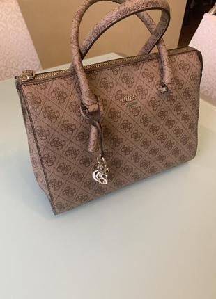 Супер стильная сумка guess оригинал!!