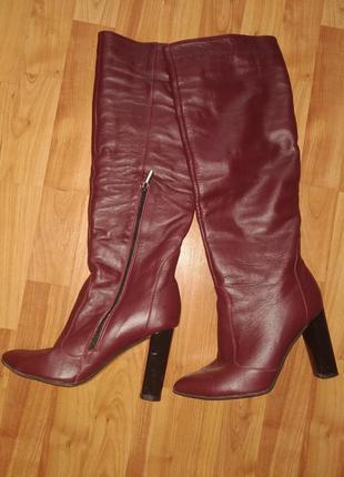 Шикарные  кожаные сапожки на каблуку осень-весна 39р