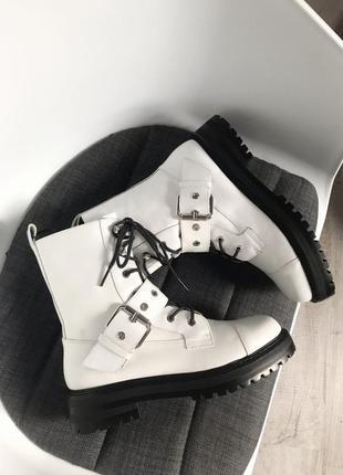 Новые ботинки zara (кожа)