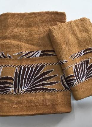 Комплект махрових рушників.