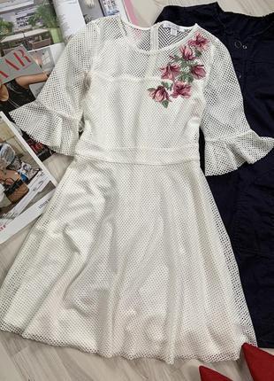 Платье сетка с вышивкой рукав клёш