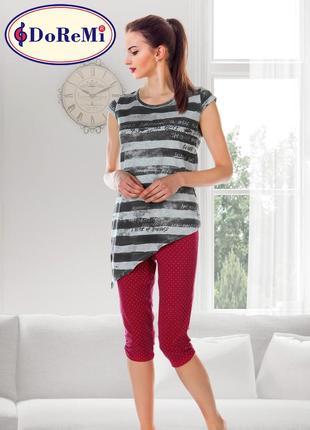 Піжама/пижама/комплект: капри и футболка