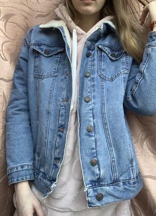 Джинсовка с мехом шерпа new look джинсовая куртка шубка утеплённая