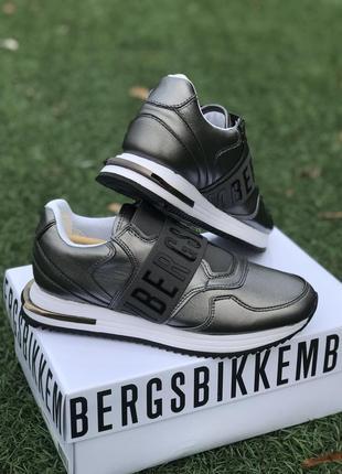 Очень красивые кроссовки bikkembergs