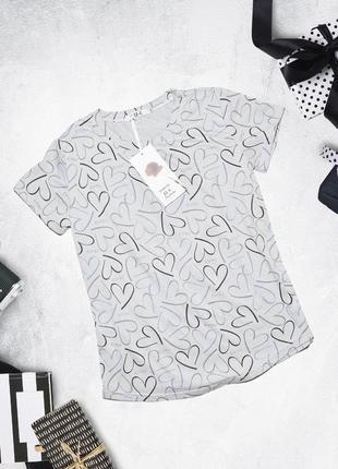 Новая футболка в сердечки jj-l
