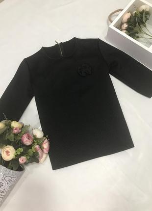 Красивая чёрная блуза с бантиком