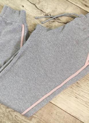 Спортивные штаны джоггеры женские с