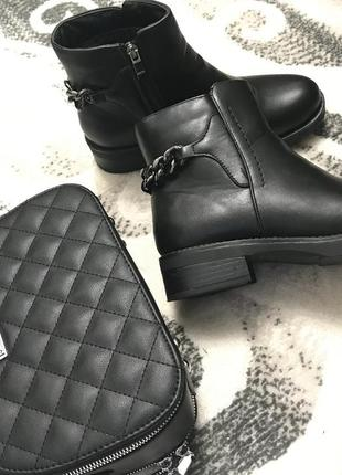 🌿стильные демисезонные ботинки на низком ходу с цепочкой