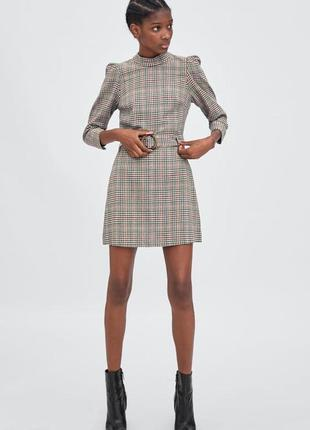 Короткое платье сарафан в гусиную лапку  клетуку с поясом на пуговицах zara