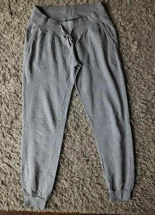 Серые сплртивные штаны