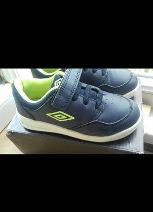 Umbro кроссовки