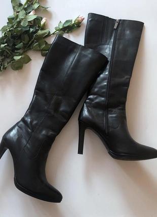 Идеальные кожаные сапоги на каблуке lasocki pp 39-40