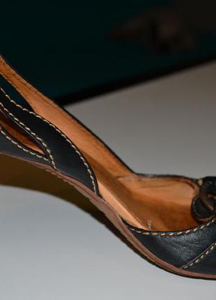 Кожаные туфли levis, на среднем каблуке, оригинал.