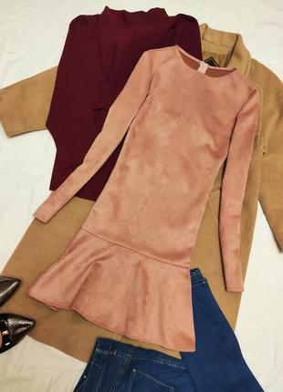 Замшевое пудровое розовое платье с длинным рукавом и воланом плотное ручная работа