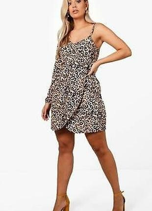 Платье леопардовое анималистичный чёрное бежевое окрыто плечо ассиметрия новое boohoo